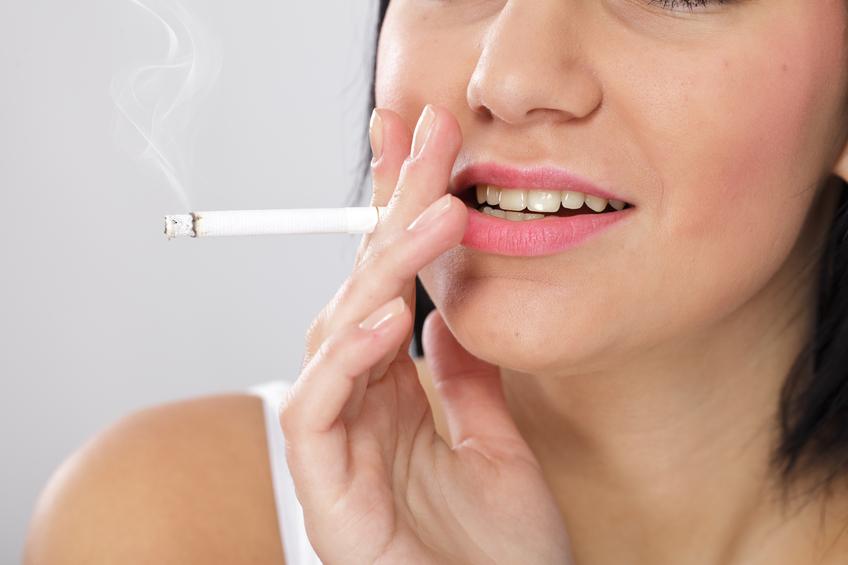 and-facial-effects-of-smoking-tan-teen
